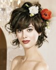 penteado para festas – short hair with flowers
